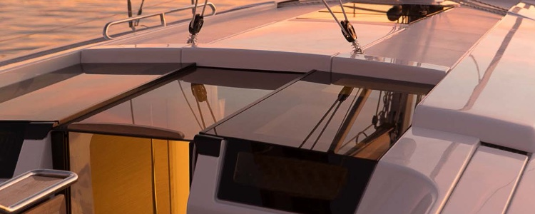Hanse 418 glass companion way